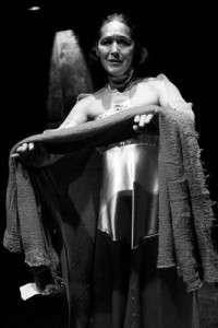 V roli Klytaimnéstry ve hře Oresteia vystoupí Helena Čermáková, držitelka Ceny Thálie za rok 1999. Foto: archiv Divadla U stolu