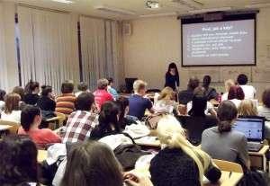 Leitnerová přednášela o sociálních sítích na Ústavu hudební vědy. Foto: Ondřej Myšák/LeMUr.mu